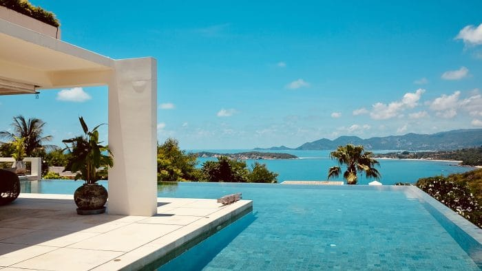 Infinity pool overlooking the sea