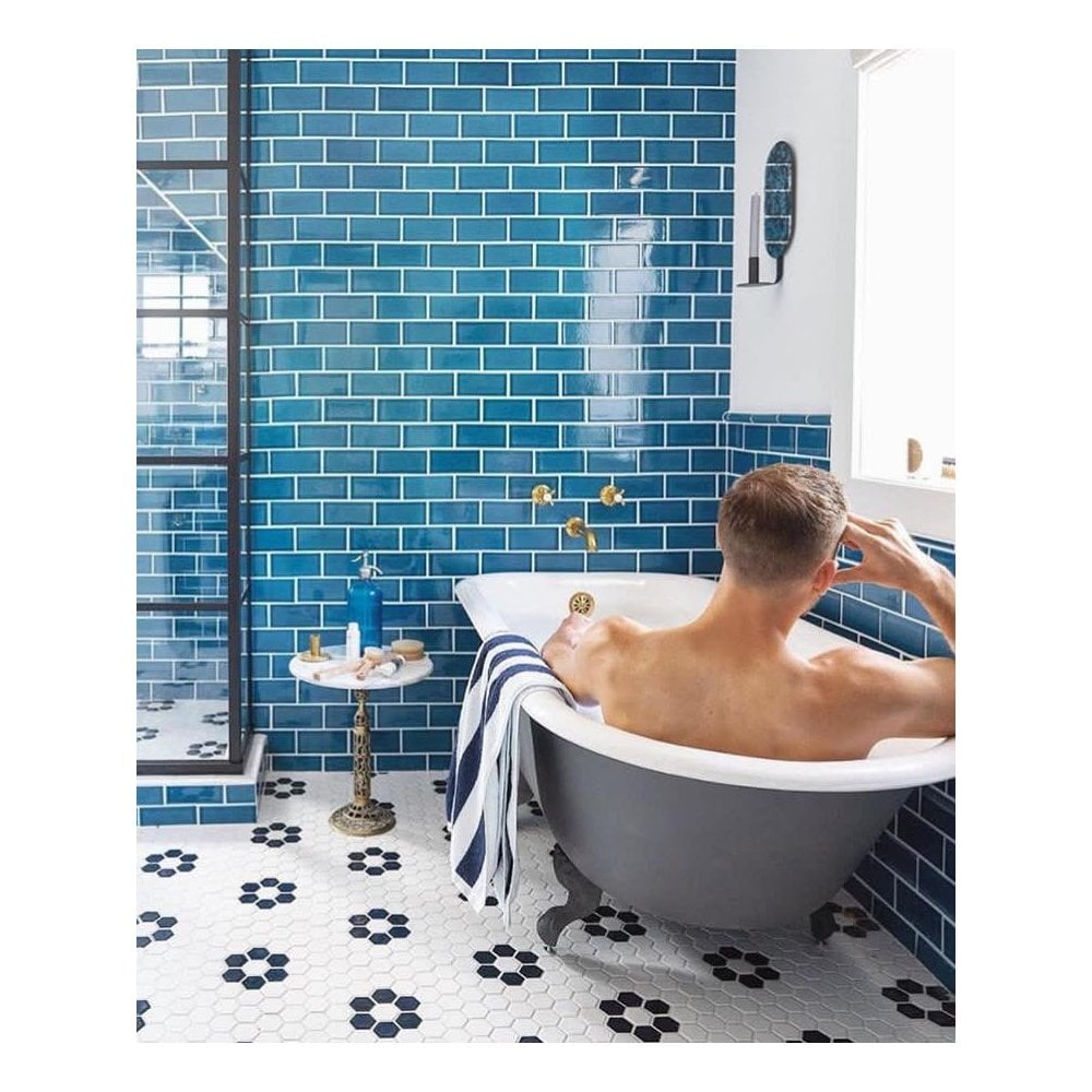 Glazed Bathroom Tile - Image of Bathroom and Closet